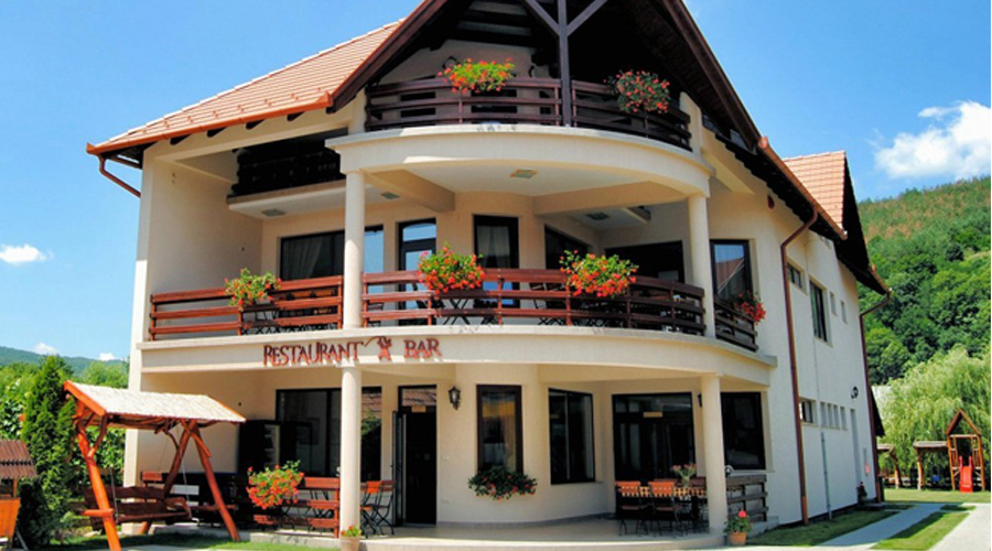 Pensiunea și Restaurant Csatári